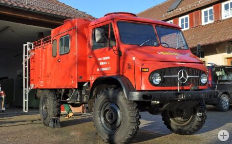 TLF8-18 auf Unimog 404s - ehemaliges Fahrzeug der Abteilung Oberhaugstett und bis 2003 im Besitz der Feuerwehr - jetzt Sammlerfahrzeug