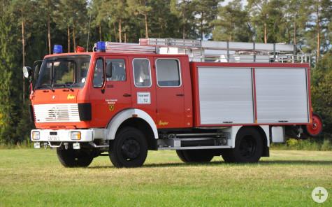 Löschfahrzeug LF16/12 - ehemaliges Fahrzeug der Abteilung Neubulach und Vorgänger des jetzigen HLF20/16 - bis 2011 im Besitz der Feuerwehr Neubulach